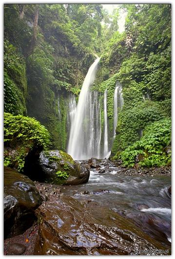 Wodospady niedaleko miejscowości Senaru, baza wypadowa naRinjani