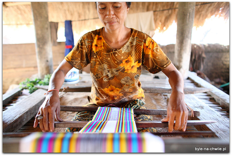 Tradycyjne tkanie/przędzenie, Lombok