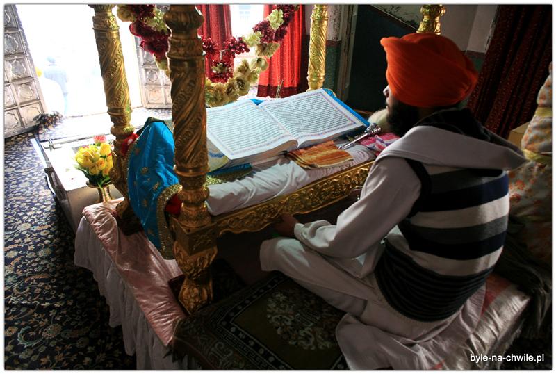 Święta księga Sikhów.