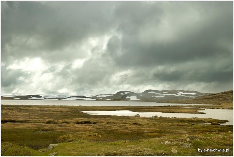 Deszczowa pogoda jedynie nadaje klimatu pasującego dotego miejsca.