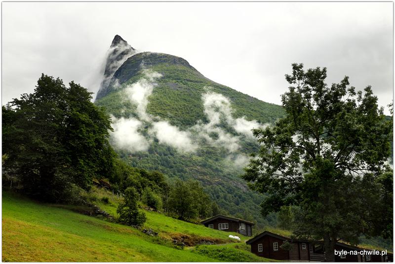 Geirangerfjord, widok zprzedsionka namiotu też jest interesujący.