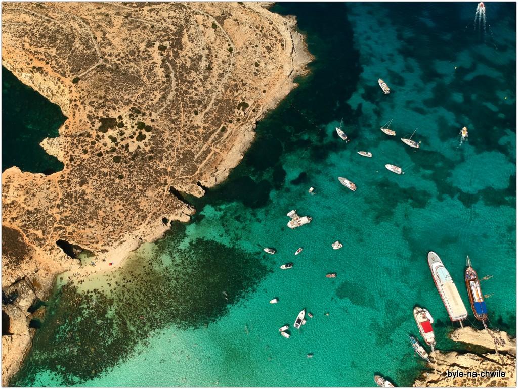 Wyspa Camino wraz zplażą Blue Lagoon.